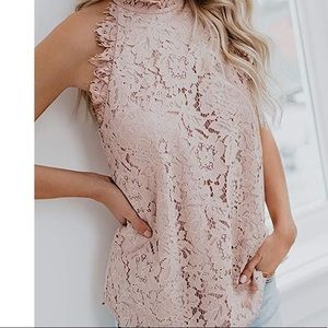 - - ❤️❤️❤️Pink Floral Lace Tank Top